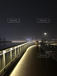 湖の上の橋の写真・画像素材[1609916]