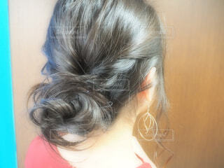アップスタイルの髪型の写真・画像素材[1690774]