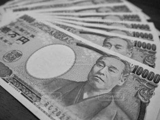 並べられた一万円札の写真・画像素材[1725568]