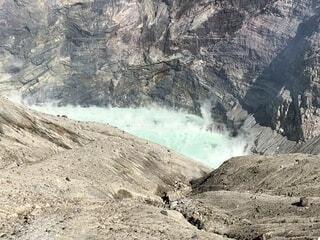 阿蘇山噴火口の写真・画像素材[1588149]