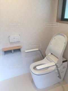 リフォームしたトイレの写真・画像素材[1595539]