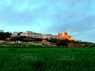 古城と草原の写真・画像素材[1145406]