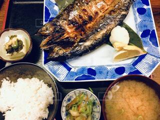 焼き魚定食の写真・画像素材[1679298]
