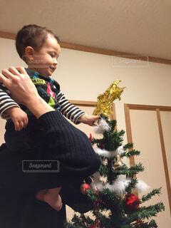 クリスマス ツリーの飾り付け☆の写真・画像素材[1615551]