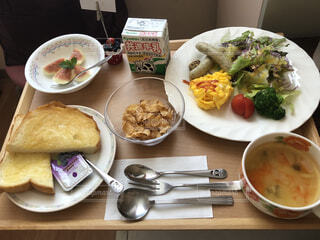 産後の豪華な朝食の写真・画像素材[1622445]