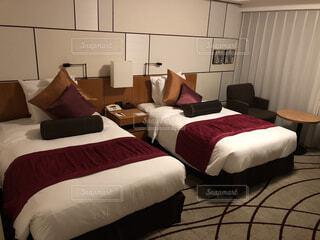 ANAクラウンプラザホテル大阪客室 ベッドの写真・画像素材[1595397]