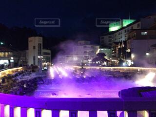 草津温泉の湯畑ライトアップの写真・画像素材[1859972]