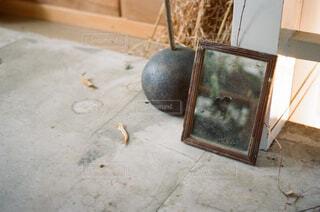 鏡の写真・画像素材[1603949]