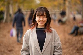 カメラに微笑んでいる人の写真・画像素材[1637129]