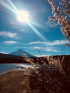 山梨県 西湖からの富士山の写真・画像素材[1637646]