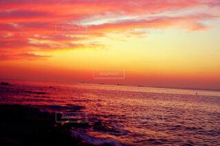 夕暮れの海の写真・画像素材[1718422]