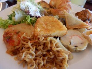 食品のプレートの写真・画像素材[1602553]