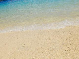 海の横にある砂浜のビーチの写真・画像素材[1616640]