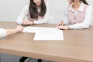 会議中のOLの写真・画像素材[2769796]