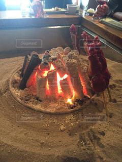 火の上に座って電車ケーキの写真・画像素材[1610357]