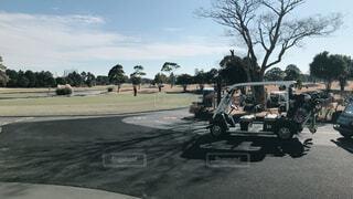クラブハウスからのゴルフの練習場の写真・画像素材[2183001]