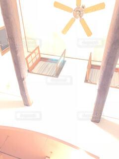 吹き抜けの天井の写真・画像素材[1609898]