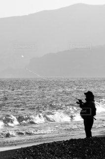 海釣りをする人の写真・画像素材[902221]