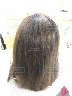 くせ毛の女性の写真・画像素材[1611585]