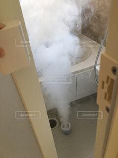 新居でまずやること。防カビくん煙剤の写真・画像素材[1614257]