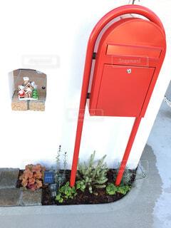 ボビの赤ポスト、ダイソーのクリスマス飾りの写真・画像素材[1651870]