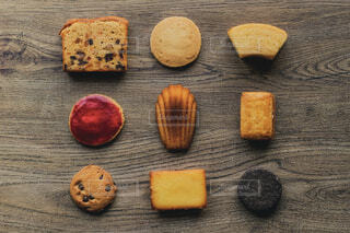 木製の表面食品の写真・画像素材[1682629]