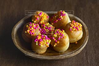 皿の上の食べ物のクローズアップの写真・画像素材[2119233]