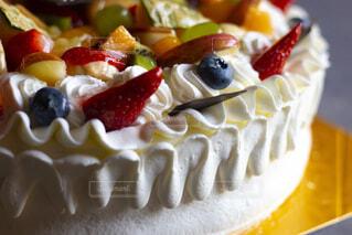 皿の上のケーキの一切れのクローズアップの写真・画像素材[2119234]