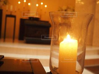 近くのテーブルにビールのグラスをの写真・画像素材[1618446]