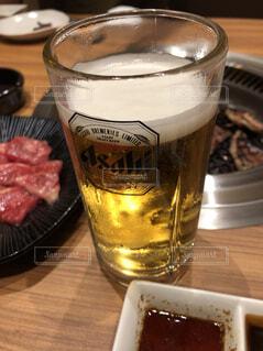 焼肉と生ビールの写真・画像素材[1620156]