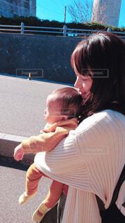 ママとお散歩の写真・画像素材[1623245]
