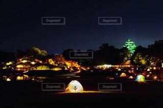 夜の街の景色の写真・画像素材[1655994]