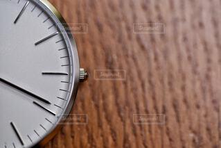 シンプルな腕時計の写真・画像素材[1871344]