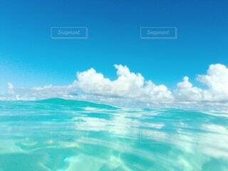 夏の海の写真・画像素材[2324098]