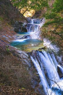 秋の西沢渓谷・七ツ釜五段の滝の写真・画像素材[1632625]