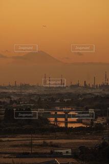 内房の工場景観と夕景富士の写真・画像素材[1757529]