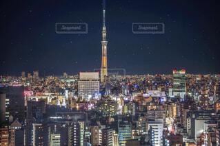 星空の下町・東京スカイツリーの写真・画像素材[1787097]