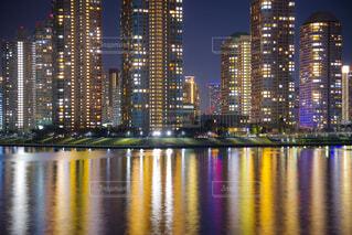 隅田川に溶ける生活の灯りの写真・画像素材[1787728]