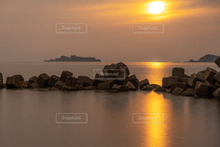 軍艦島の夕暮れの写真・画像素材[2115961]