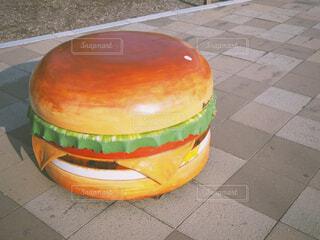 大きなハンバーガーの写真・画像素材[1872410]
