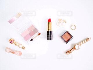 化粧品とアクセサリーの写真・画像素材[2279896]