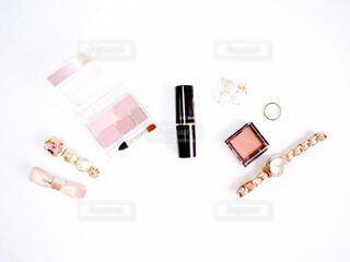 化粧品とアクセサリーの写真・画像素材[2279897]