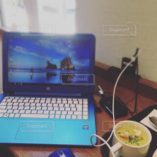 カフェでお仕事♪の写真・画像素材[1634995]