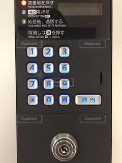 マンション入り口の番号キーの写真・画像素材[1664577]