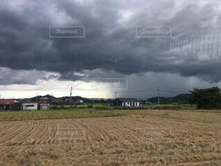 空には雲のフィールドpt.2の写真・画像素材[1646452]