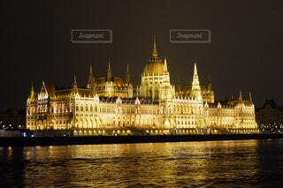ハンガリー国会議事堂の夜景の写真・画像素材[1645470]