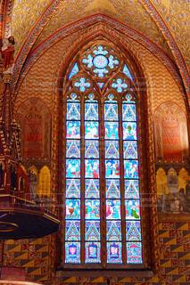 マーチャーシュ教会のステンドグラスの写真・画像素材[1656076]
