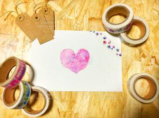 テーブルの上のコーヒー カップの写真・画像素材[1701915]