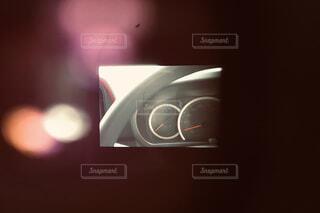 ファインダー越しから見る運転席の写真・画像素材[1648330]