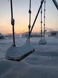 雪の覆われたフィールドの表示の写真・画像素材[1645798]